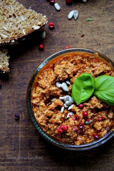 Śródziemnomorska pasta z suszonych pomidorów
