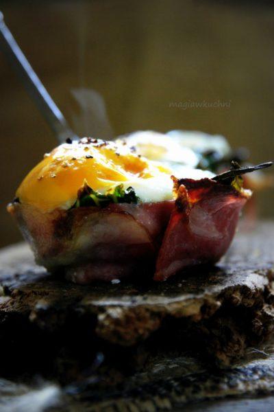 Babeczki z jarmużem i jajkami