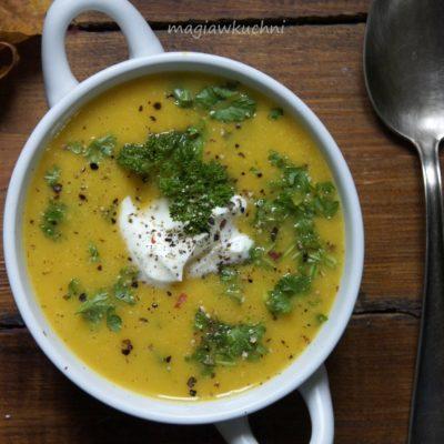 Zupa dyniowo – migdałowa