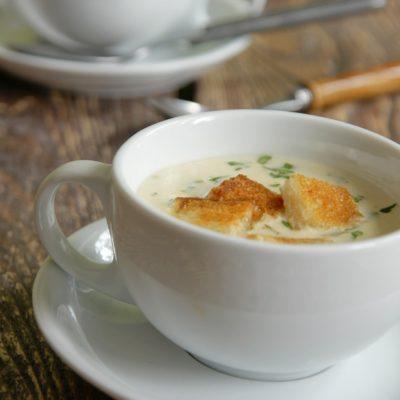 Szybka zupa serowa