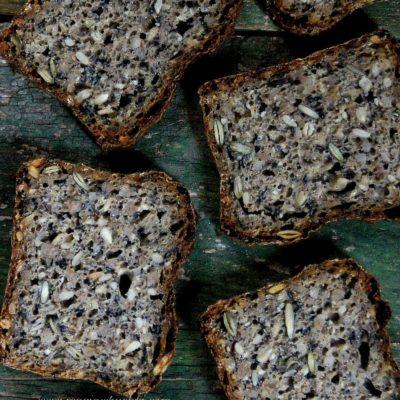Chleb z dużą ilością ziaren