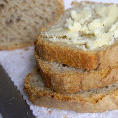 Prosty pszenny chlebek