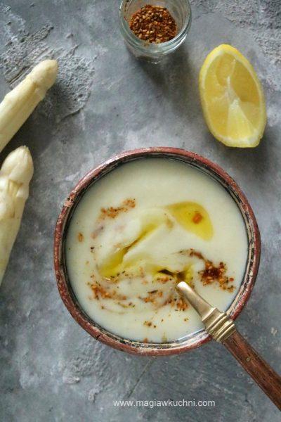 Zupa szparagowo – cytrynowa