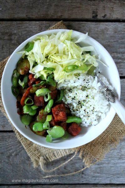 Tofu po koreańsku z bobem