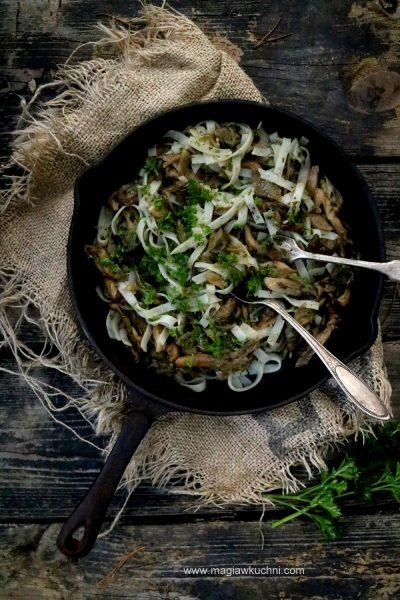 Makaron ryżowy z grzybami